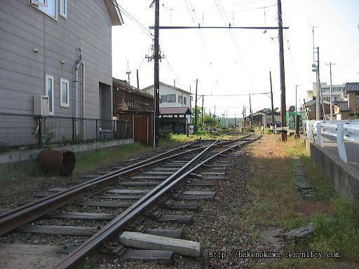 焼鮒駅の廃ホームその1
