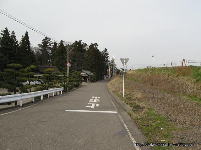 笹川邸付近の電鉄線廃線跡その1