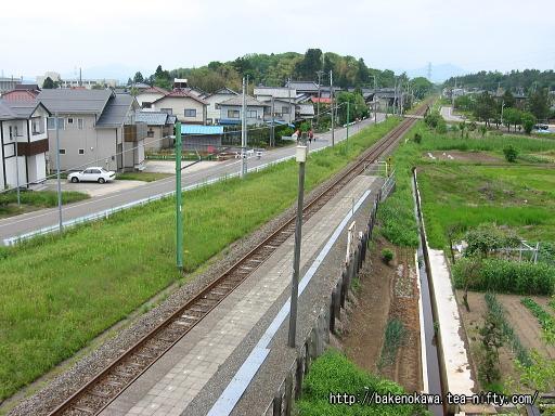 跨線橋上から見た刈羽駅構内その2
