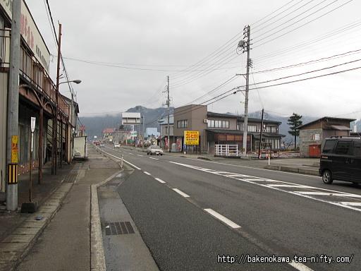 塩沢町内の国道17号線