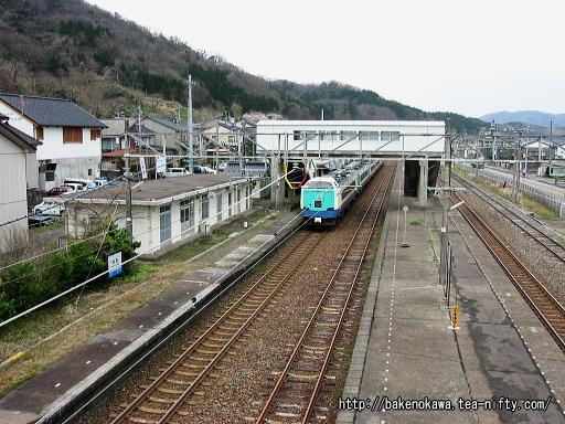 谷浜駅を通過する485系電車特急「北越」その2