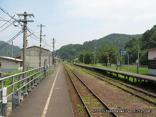 根知駅の1番ホームその2