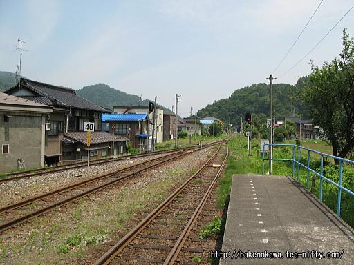 根知駅の2番ホームその4