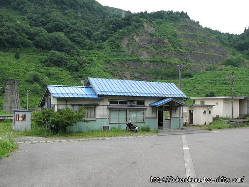 小滝駅駅舎その1