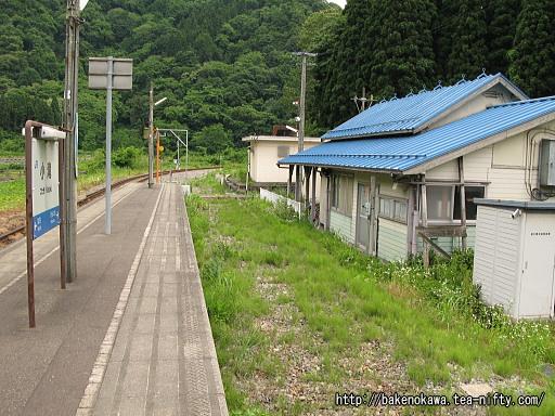 線路跡と構内通路その1