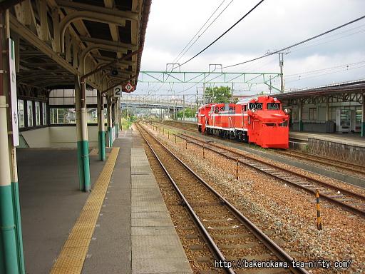 加茂駅の2番ホームその3