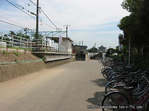 駅前広場整備以前の西口前の様子