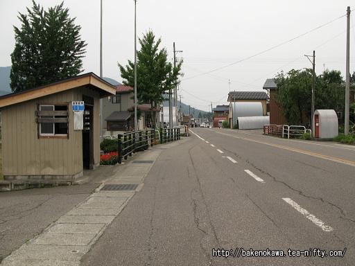 越後須原駅至近の国道252号線その2