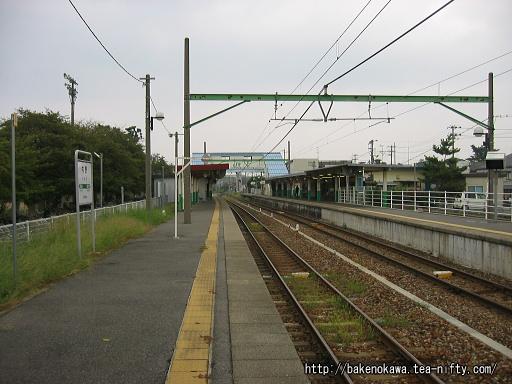 内野駅の2番ホームその1
