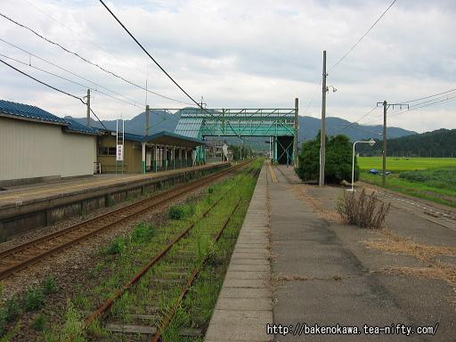 安田駅の旧島式ホームその2
