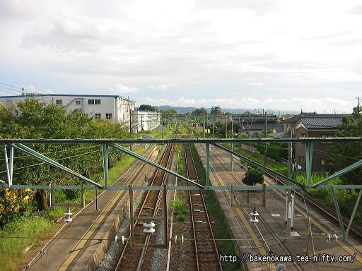 跨線橋上から見た羽生田駅構内その1