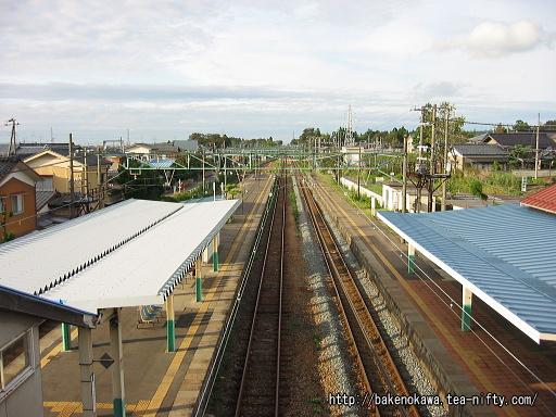跨線橋上から見た羽生田駅構内その2