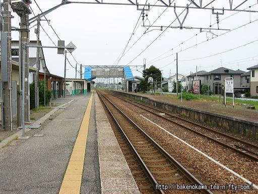 佐々木駅の1番ホームその一