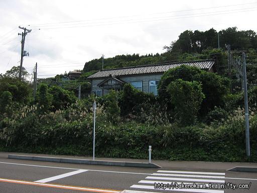 有間川駅駅舎その2