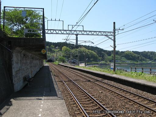 有間川駅の2番ホームその1