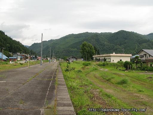 日出谷駅の旧島式ホームその4