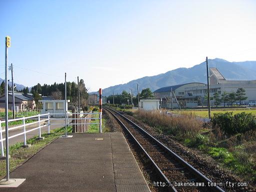 猿和田駅のホームその2