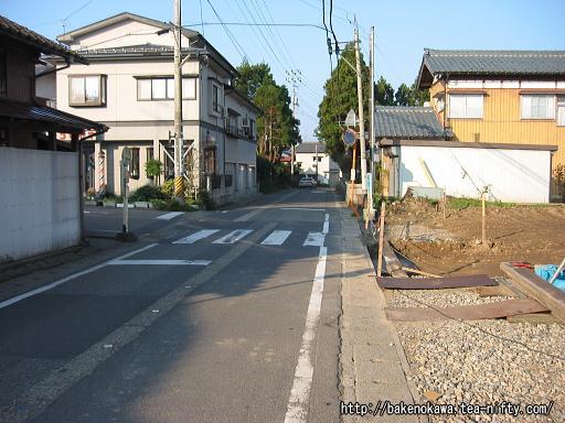 猿和田駅付近の県道