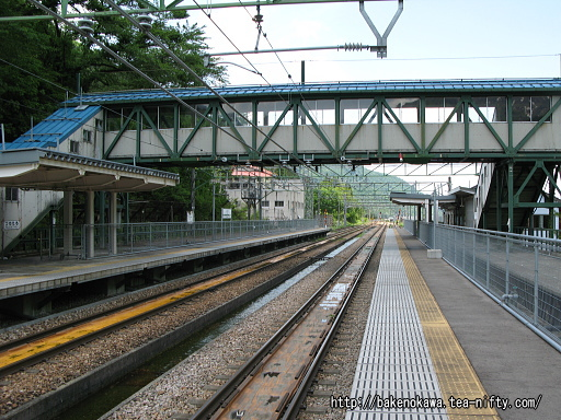 土樽駅の上りホームその7