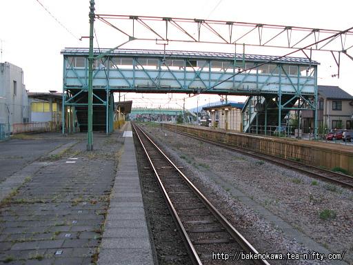 燕駅の1番ホームその1