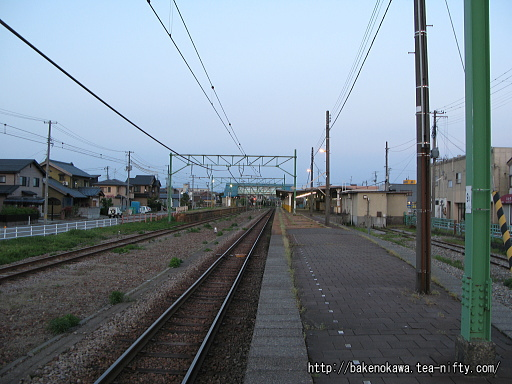 燕駅の1番ホームその3