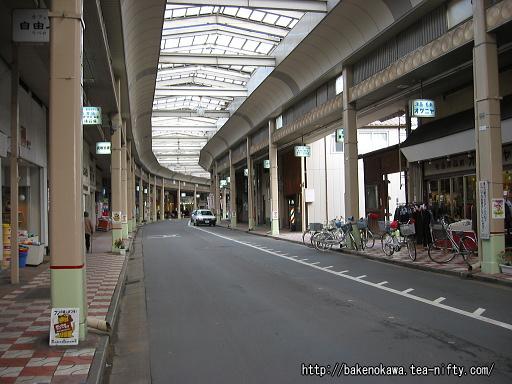 燕市の中心商店街その2