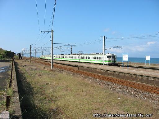 米山駅に発着する115系電車その1