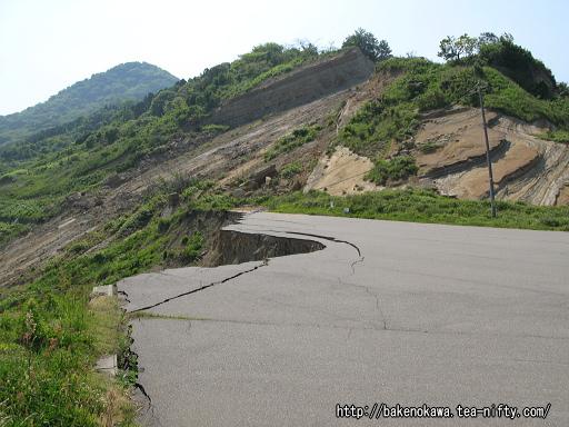 中越沖地震の土砂崩落跡その3