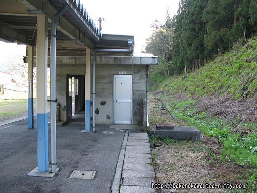 豊実駅の旧島式ホームその6