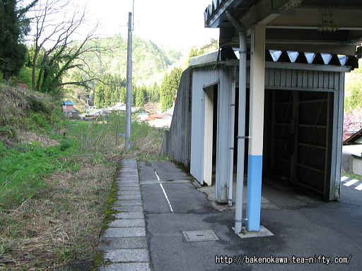 豊実駅の旧島式ホームその7