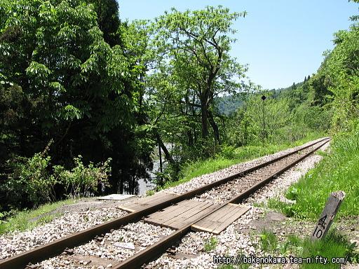 線路を横断する連絡通路