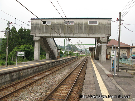 出雲崎駅の1番ホームその4