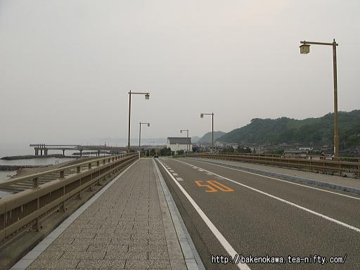 出雲崎海岸を通る国道402号線その1