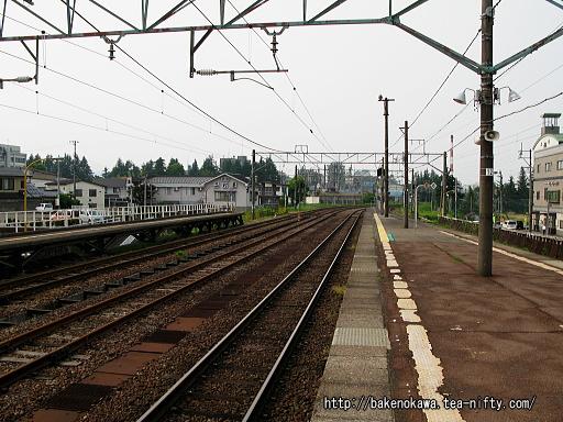 新井駅の島式ホームその4