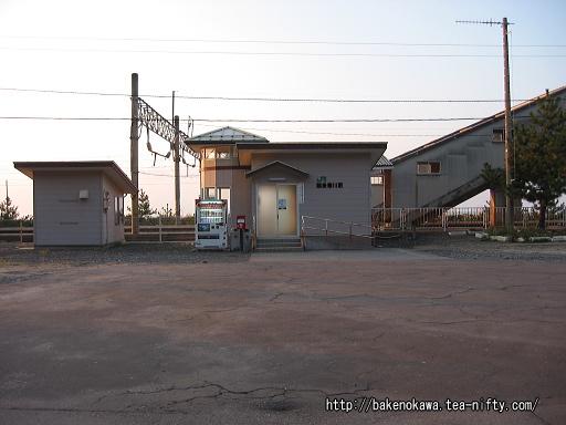 越後寒川駅舎