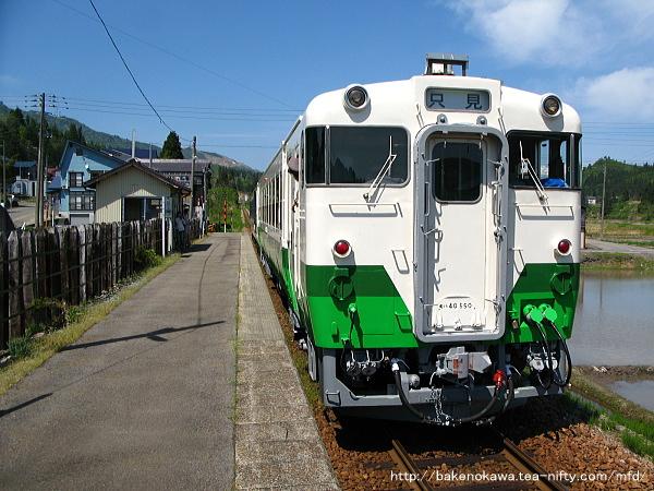 魚沼田中駅に停車中のキハ40系気動車