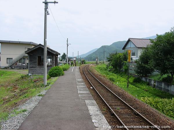 薮神駅のホームその1