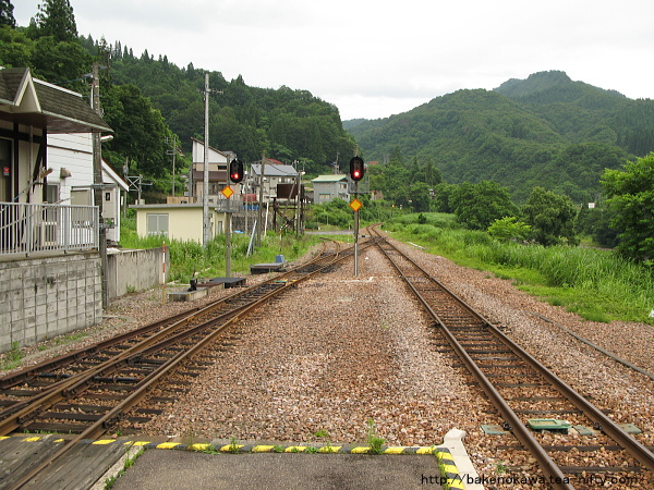 大白川駅の島式ホームその5