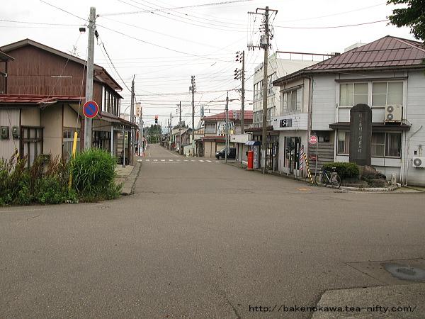 脇野田駅前通りその1
