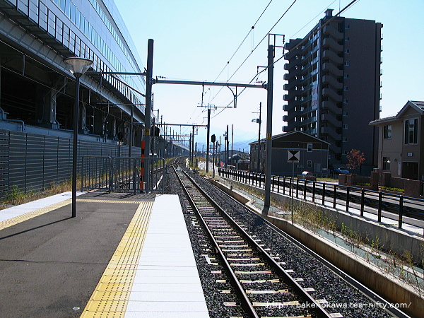 上越妙高駅の島式ホームその2