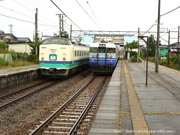 羽生田駅を通過する485系電車特急「北越」その3