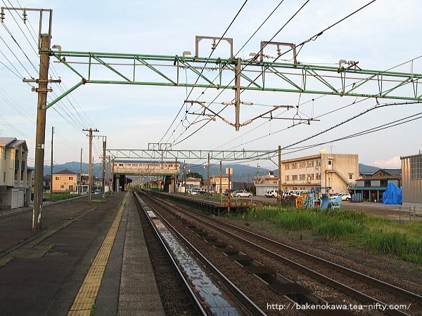 来迎寺駅の2番ホームその3