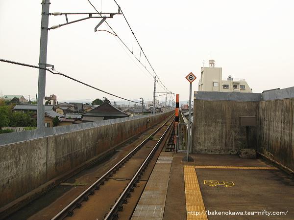 北三条駅の高架ホームその2