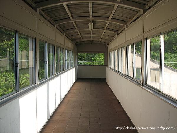 梶屋敷駅の跨線橋