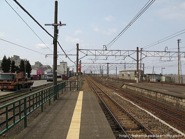 中条駅の1番ホームその三