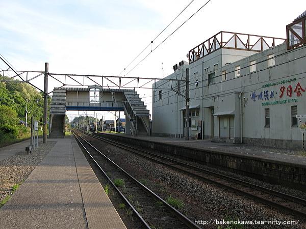 桑川駅の上りホームその三
