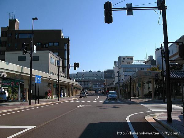 糸魚川駅日本海口方の駅前通り