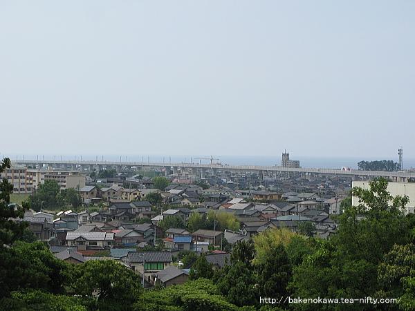 高台から見た糸魚川市街