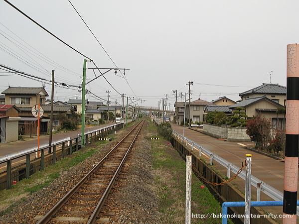 南吉田駅のホームその2