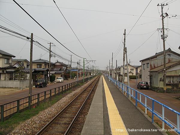 南吉田駅のホームその4